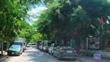 Nhức nhối tình trạng xe ô tô bủa vây trường tiểu học Trung Yên