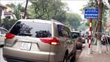 Các điểm đón trả khách cho xe taxi ở Hà Nội đang bị chiếm dụng