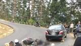 Đôi nam nữ gặp tai nạn khi đổ đèo Tam Đảo