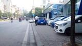 Hà Nội: Lúng túng xử lý ô tô án ngữ vỉa hè
