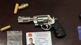 Hà Nội: CSGT phát hiện nam thanh niên 9X mang theo súng côn quay