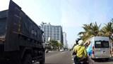 Xử lý nghiêm hành vi ném gạch vào xe tải đang lưu thông