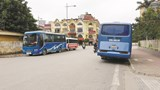 Hà Nội: Xe đưa đón học sinh cản trở giao thông