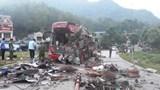 Chỉ đạo khẩn của Phó Thủ tướng về vụ xe khách đấu đầu xe tải tại Hòa Bình