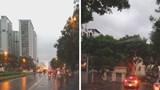 Cây đổ trúng ô tô đang lưu thông, 1 vài tuyến phố bị ngập trong trận mưa chiều 20/8