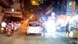 [Điểm nóng giao thông] Bến cóc bịt kín phố Phùng Khoang