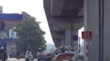 Chợ tạm gây cản trở giao thông trên đường Cầu Mới: Cấm như không!