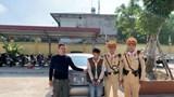 Hà Nội: Lúng túng khi bị kiểm tra, lái xe ô tô lộ 2 gói ma túy giấu trong người