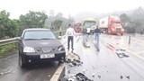 Tai nạn liên hoàn trên cao tốc Nội Bài - Lào Cai khiến 2 tài xế bị thương nặng