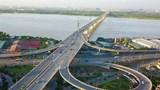 Hà Nội: Bắt đầu rào chắn nửa cầu Vĩnh Tuy để sửa chữa khe co giãn