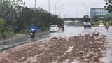 Đại lộ Thăng Long mất an toàn vì bùn đất