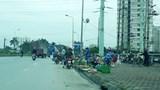 [Bạn đọc viết] Chợ cóc gây mất an toàn giao thông trên đường Tố Hữu