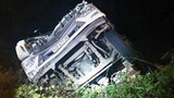 Xe tải chở rau rơi xuống vực đèo Bảo Lộc, tài xế nguy kịch