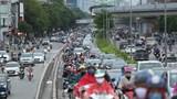 [Ảnh] Hà Nội: Tái diễn cảnh tắc đường trong ngày đầu nới lỏng giãn cách xã hội