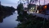 Ô tô 7 chỗ lao xuống sông khiến 2 người tử vong