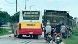 Va chạm kinh hoàng với xe tải, tài xế xe máy tử vong tại chỗ