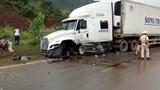 Xe 7 chỗ vượt ẩu gây tai nạn liên hoàn