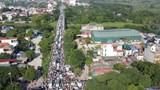 Dù cách trung tâm Hà Nội gần 20km, nhưng cầu Mai Lĩnh vẫn ùn tắc kéo dài giờ cao điểm