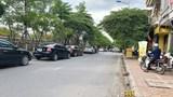 [Điểm nóng giao thông] Nhiều phương tiện dừng đỗ sai quy định trên đường Bưởi