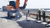 Công nghệ sửa chữa mặt cầu Thăng Long: Nếu thành công sẽ được nhân rộng
