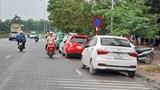"""Điểm nóng giao thông: Dừng, đỗ """"vô kỷ luật"""" trên đường Châu Văn Liêm"""