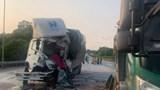 2 xe tải tông nhau trên cao tốc Nội Bài - Lào Cai khiến tài xế tử vong