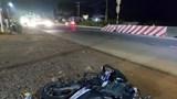 Phóng xe lao vào gốc cây, 2 thanh niên tử vong
