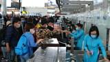 Hành khách từ các chuyến bay thương mại đến Việt Nam cách ly thế nào, thời gian bao lâu?