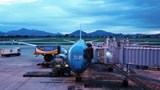 Chuyến bay thương mại quốc tế đầu tiên có gì đặc biệt?