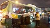 Xe tải đâm xe buýt ở Long An, 20 người nhập viện cấp cứu