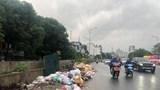Hà Nội: Rác thải tràn lan tại tuyến đường Nghi Tàm - Âu Cơ