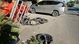 Xe máy gãy đôi, nam thanh niên nguy kịch sau va chạm mạnh với ô tô