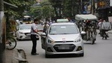 Taxi, xe hợp đồng dưới 9 chỗ: Chưa thể quản chặt