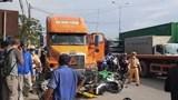 Tin tức tai nạn giao thông mới nhất hôm nay 29/9: Xe đầu kéo tông 7 xe máy