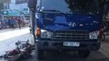 Xe máy va chạm xe tải khiến một người tử vong trên QL6