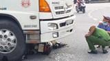 Vợ chồng thương vong sau khi bị cuốn vào gầm xe tải