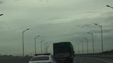Xử phạt 2 tài xế không nhường đường cho xe ưu tiên trên cao tốc
