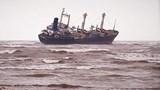 Giải cứu thành công 16 thuyền viên gặp nạn trên vùng biển Hà Tĩnh
