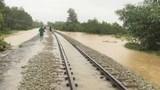 Tạm dừng chạy tàu khách từ Hà Nội đến Đông Hà vì mưa lũ