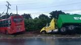 Xe khách vượt ẩu khiến 5 người thương vong