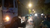 Tránh ổ gà giữa đường, thanh niên bị xe tải cán chết