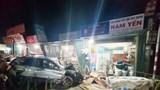 Tai nạn giao thông mới nhất hôm nay 25/10: Ô tô lao vào nhà dân làm 3 người tử vong
