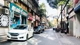 [Điểm nóng giao thông] Ô tô chiếm dụng lòng đường phố Kim Mã Thượng