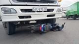Xe tải va chạm xe máy khiến 2 người tử vong tại chỗ