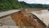 Hạ tầng giao thông tiếp tục bị thiệt hại do mưa lũ