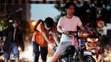 TP Hồ Chí Minh: Triều cường tiếp tục dâng cao, người dân chật vật lưu thông trên đường