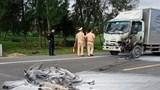 Hà Tĩnh: Ô tô và xe máy bốc cháy dữ dội sau va chạm, 1 người tử vong