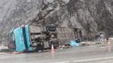 Tai nạn giao thông mới nhất hôm nay 22/11: Lật xe trên đèo, ô tô va chạm xe máy rồi bốc cháy