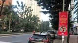 """Hà Nội: Tuyến đường Hoàng Quốc Việt """"biến"""" thành bãi xe di dộng"""