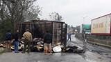 Xe tải cháy rụi trên quốc lộ